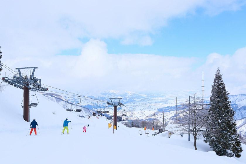 冬季越後湯沢駅からシャトルバスで楽ちん