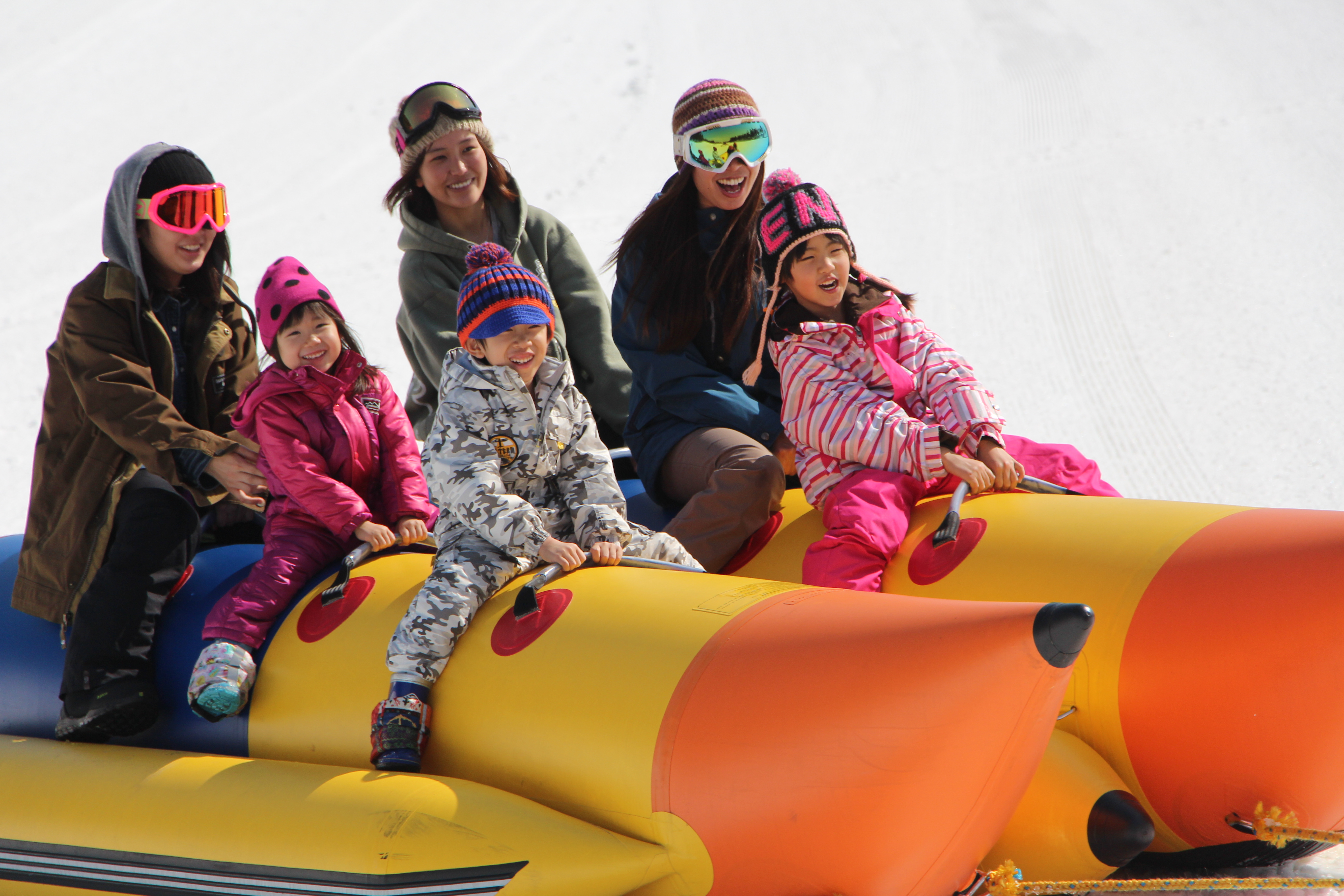 雪上バナナボートで 盛り上がろう!
