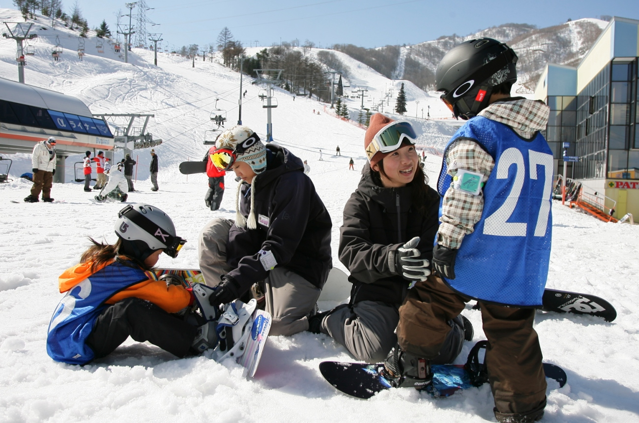 JAPAN SNOWBOARD ACADEMY