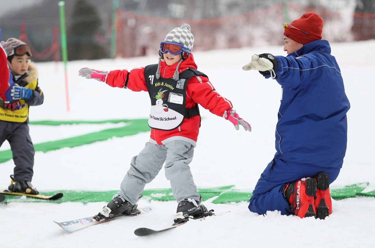 白馬五竜とおみスキースクール