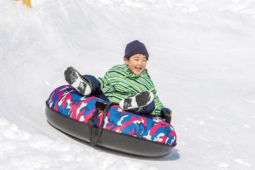 ソリも雪遊びも安全に♪ コルチナワンダーヴィレッジ「キッズパーク」