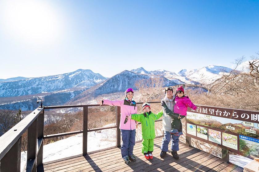 ゴンドラで那須連山を望む山頂へ! キッズパークではワクワク雪遊び♪