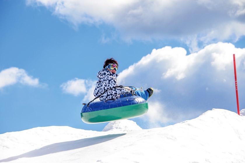 日本最大級の興奮!「ジェットチュービング」とちびちゃんも安心「ちびチュービング」