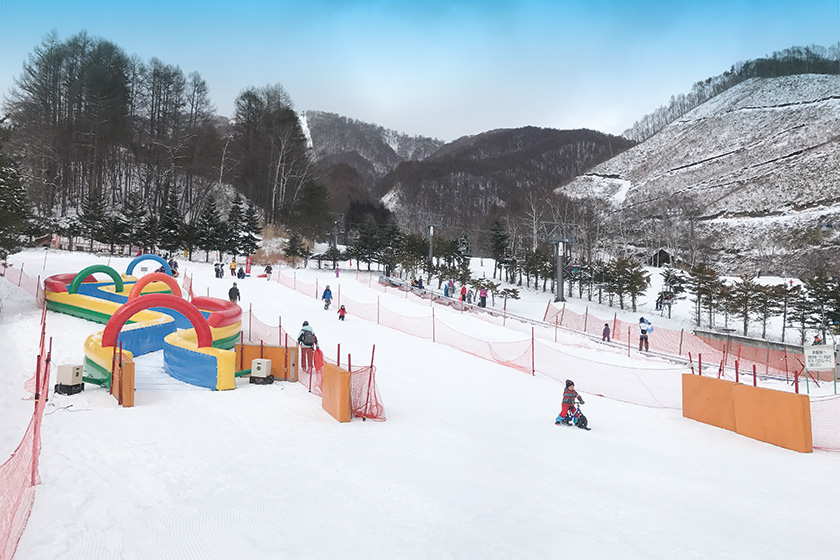 雪遊びキッズ大満足♪ 「ロックン広場」