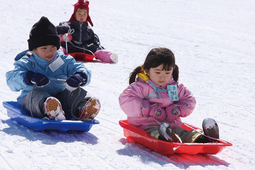 雪遊びやソリを存分に! 「ちびっこ愛ランド」