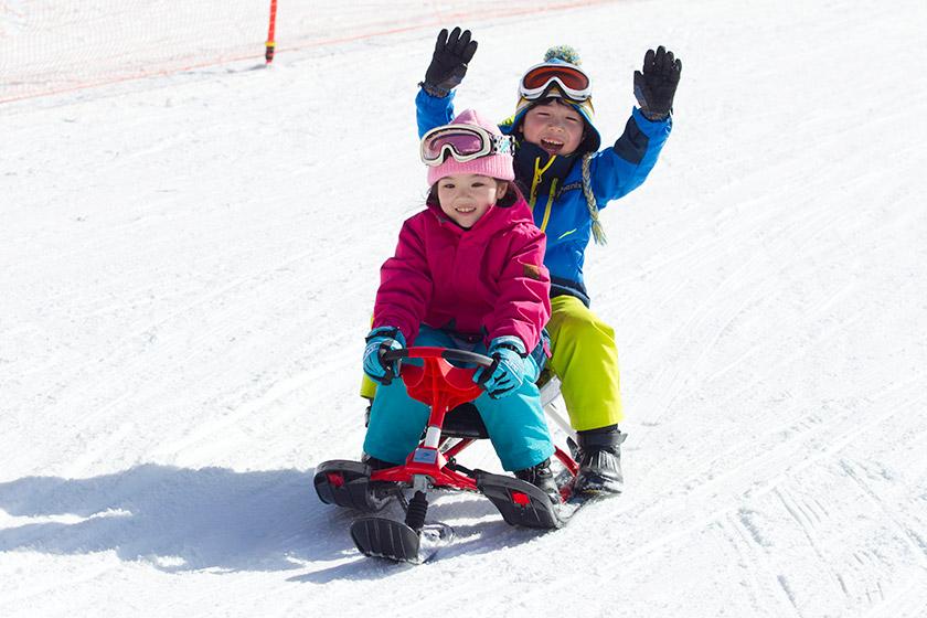 雪遊びもスキーも! デビューにぴったりの 「ポタスノーランド」