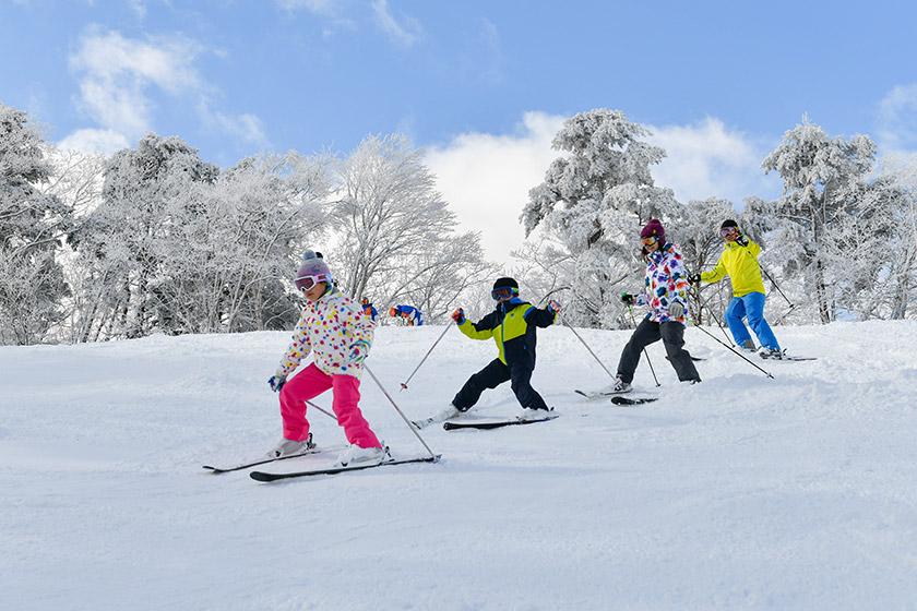 タングラム スキーこどもの日リフト券無料!